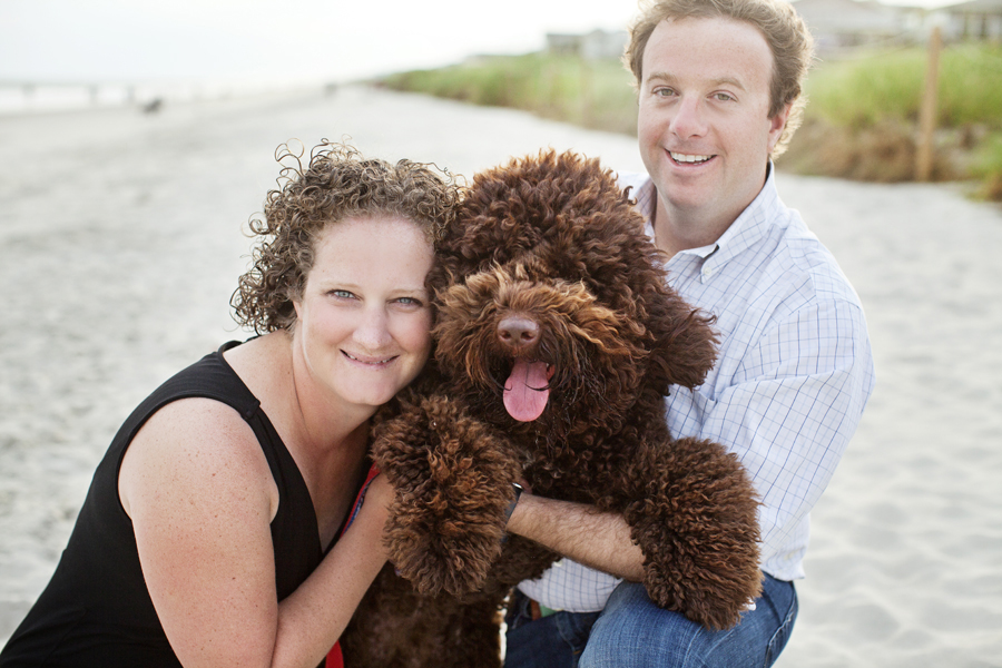 family_labradoodle_beach