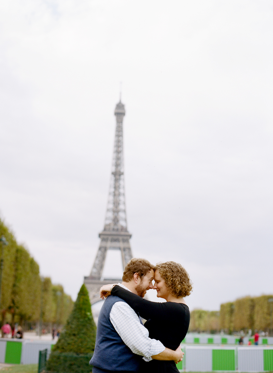 eiffel-tower-engagement-session-2